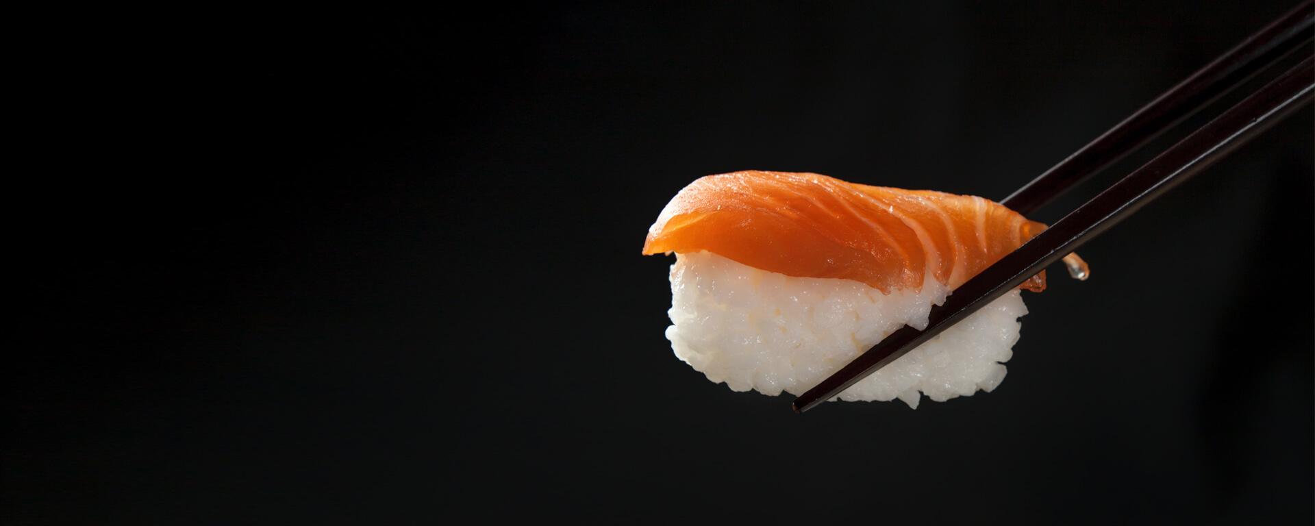 Sake Nigiri s paličkami